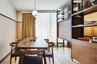 White oak flooring in a guest suite.