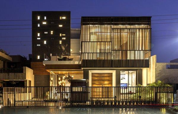 Pool Yard House