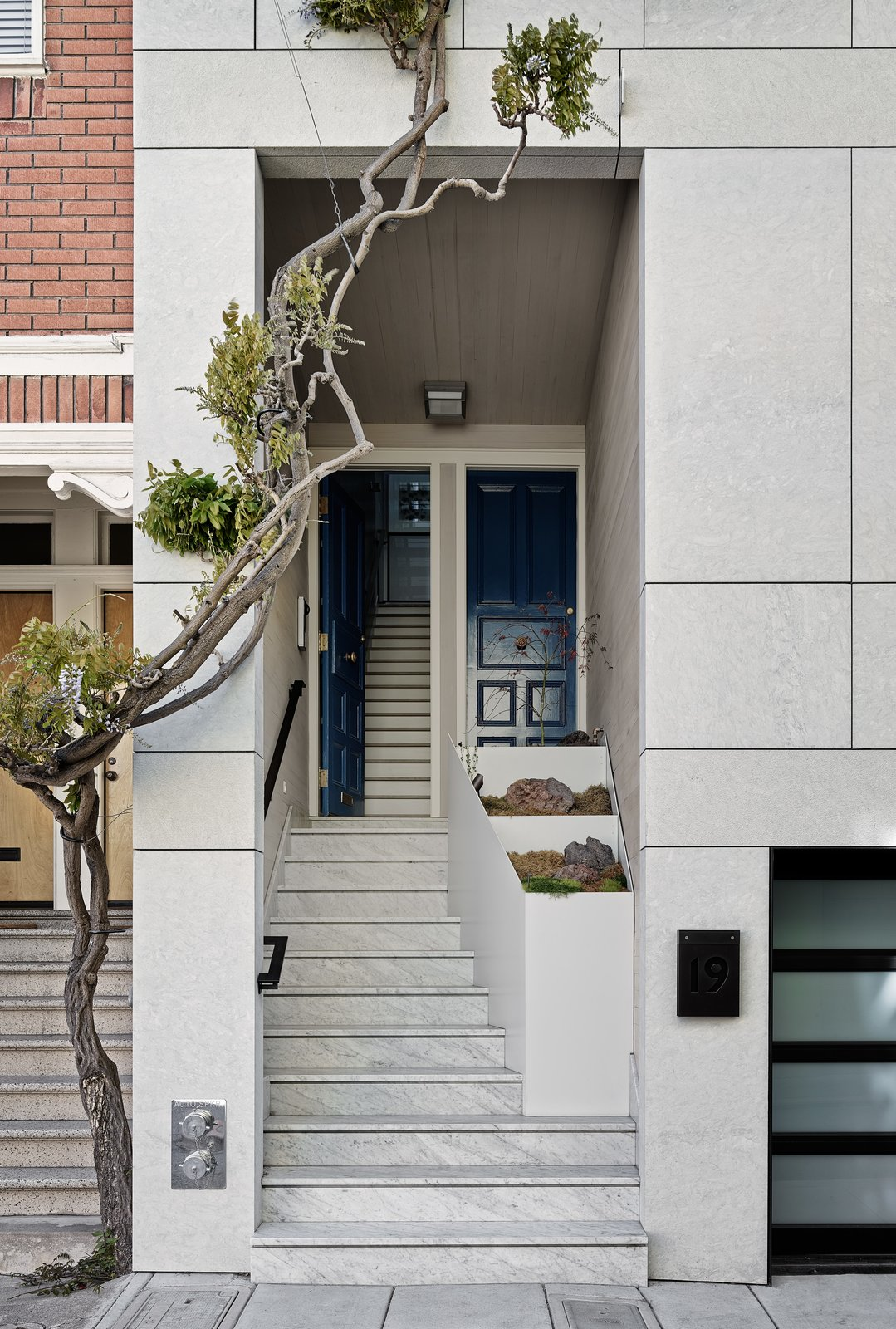 Photo 3 of 5 in Top 4 Homes of the Week That Welcome You With Sleek Entryways from Telegraph Hill Townhouse