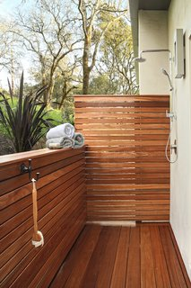 An outdoor shower beckons weary travelers to commune with nature.