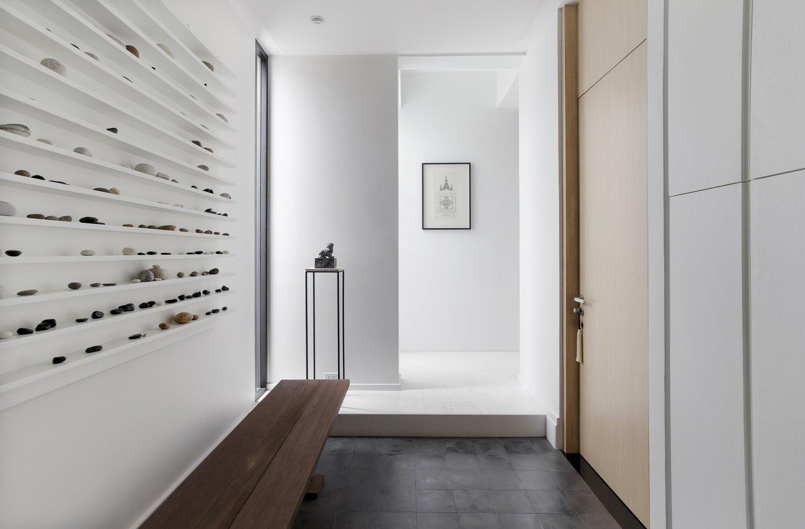 Bench, Hallway, and Ceramic Tile Floor  Huamark 09