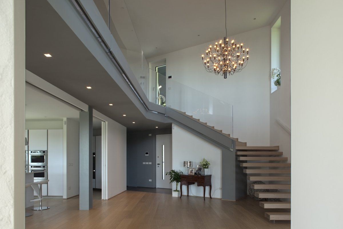 the double height of the entrance  Photo 6 of 6 in Villa on the hills near Udine   iarchitects