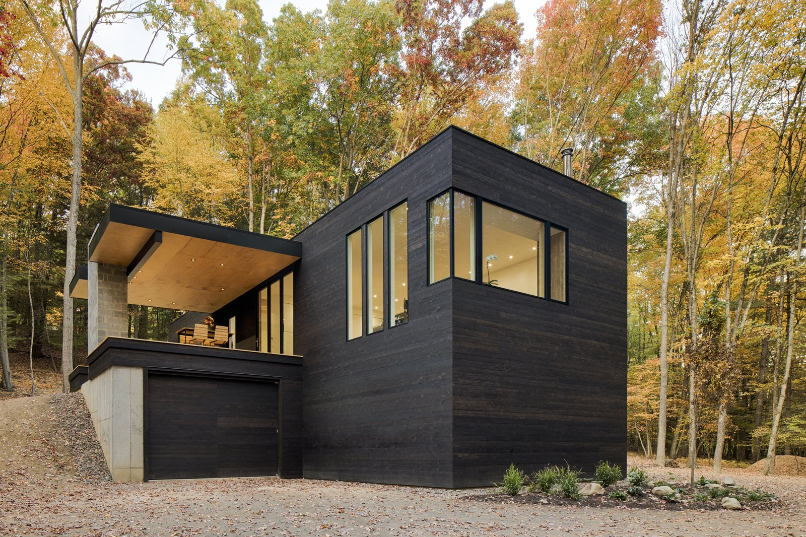Exterior, Wood Siding Material, and House Building Type  TinkerBox