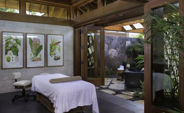 Tracy Lee-designed spa with ancient Hawaiian remedies.