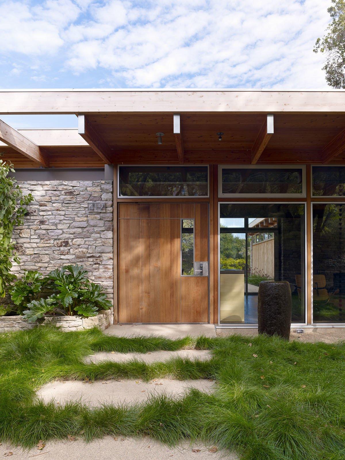 Pfau-Starr Residence by Pfau Long Architecture
