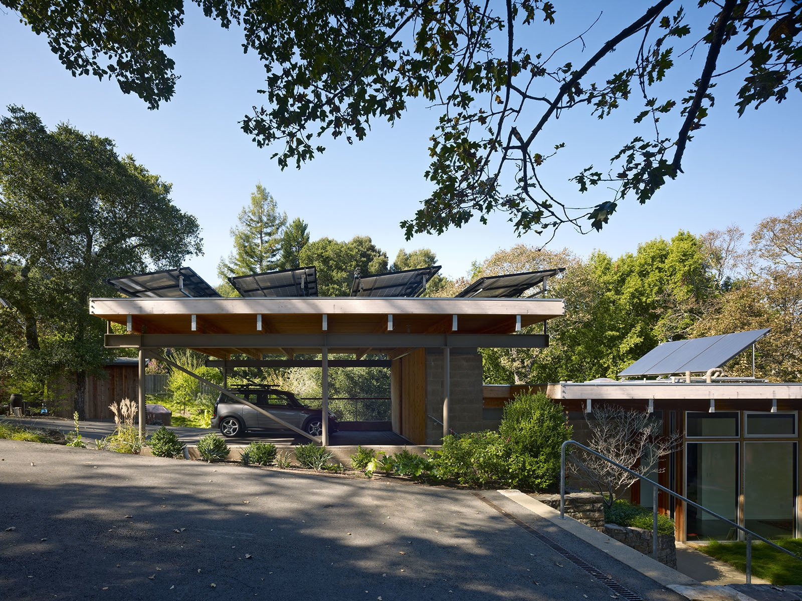 Pfau-Starr Residence by Pfau Long Architecture