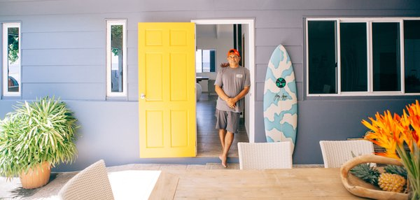 Surf Shacks 014 - Raimana Van Bastolear