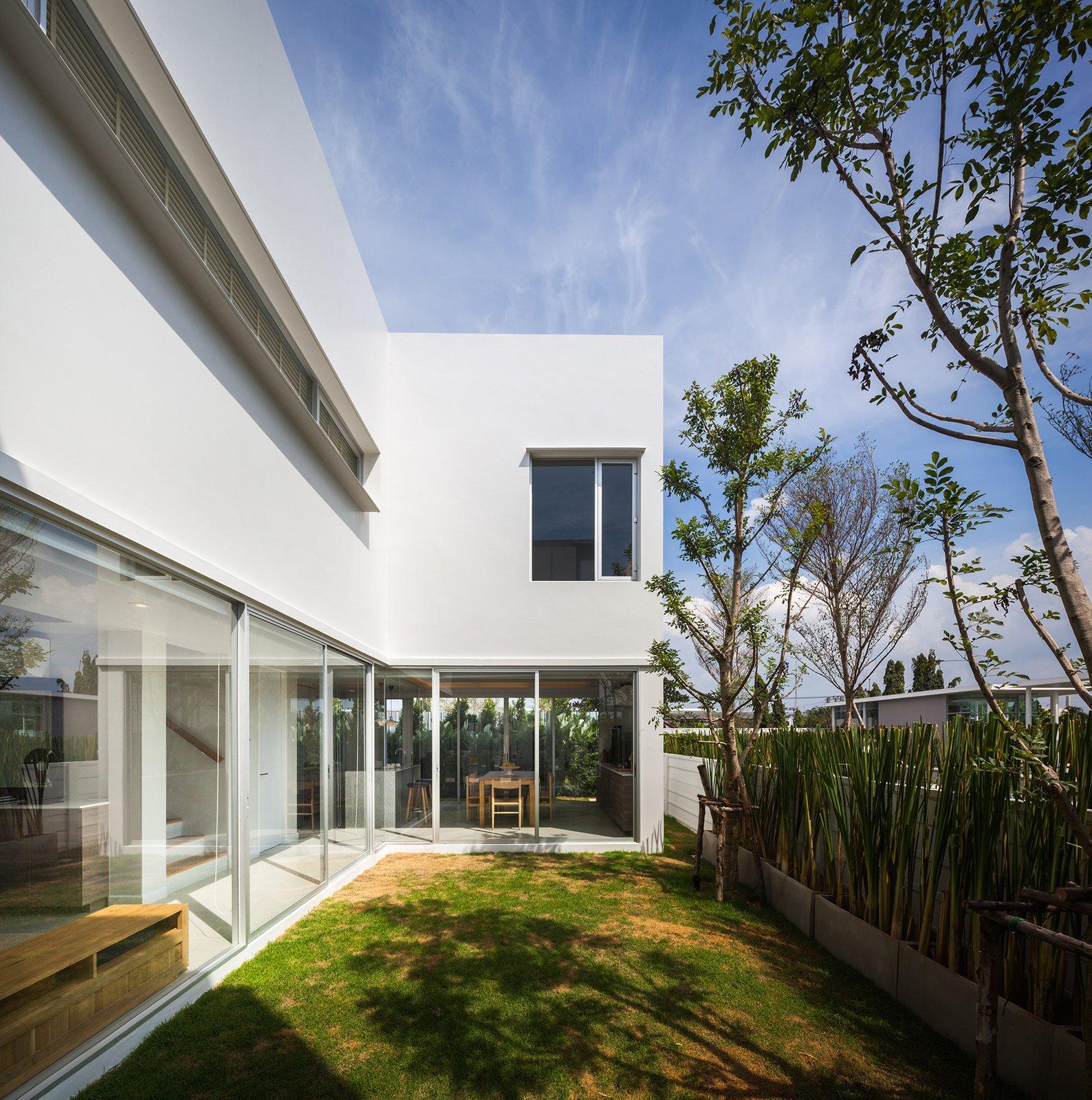 Courtyard Villa, Chachoengsao by Black Pencils Studio