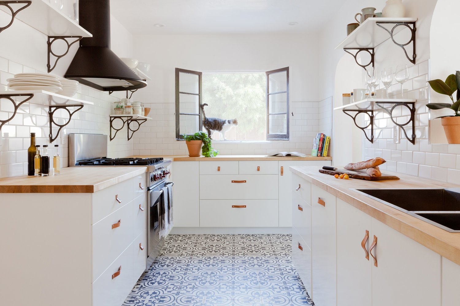 Kitchen, Wood, Subway Tile, Drop In, Range, and Ceramic Tile  Kitchen Range Subway Tile Ceramic Tile Photos from Ole Hanson Duplex
