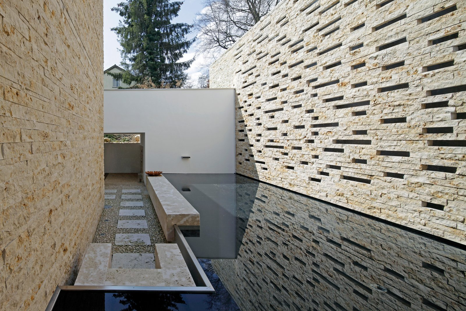 Outdoor and Side Yard  House S by Stephan Maria Lang