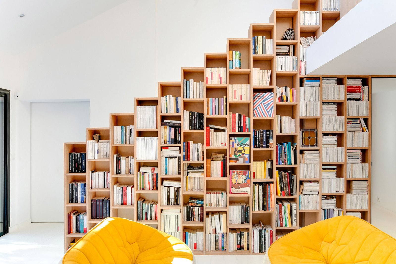 10 Ways to Solve Storage Problems in Small Spaces