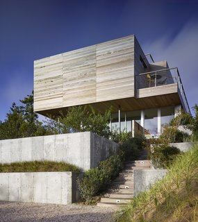 Spotlight on Stelle Lomont Rouhani Architects and Their Work in the Hamptons - Photo 2 of 8 -