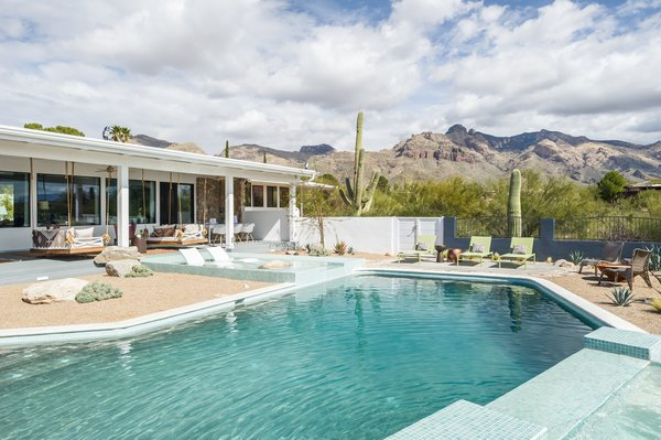 Top 5 Homes Of The Week With Plunge Worthy Pools