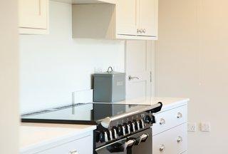 White Shaker Kitchen by Bath Bespoke
