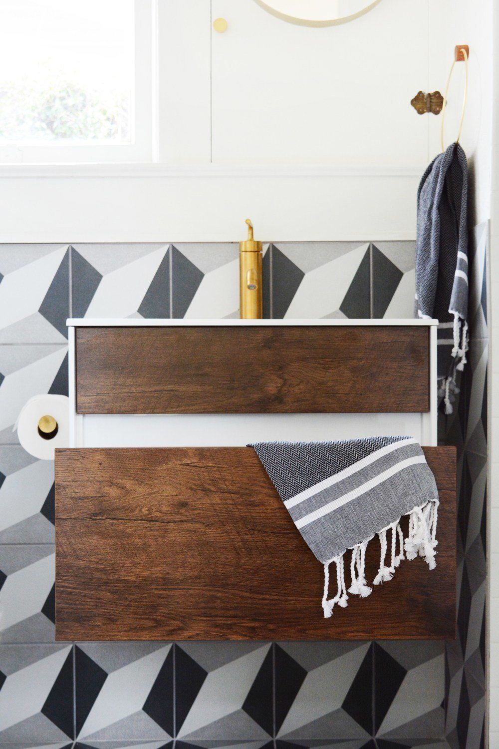 A small 1920s guesthouse bathroom gets a modern makeover photo 1 of 9