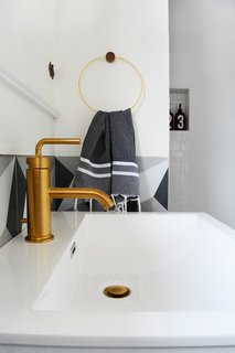 A Small 1920s Guesthouse Bathroom Gets A Modern Makeover - Photo 9 of 9 -