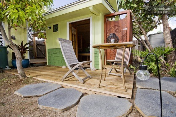 The Little Coconut in Kailua is a lovely micro-cottage that you can rent or vacation in via AirBnb.  Photo 9 of 10 in 10 Tiny Happy Hawaiian Huts
