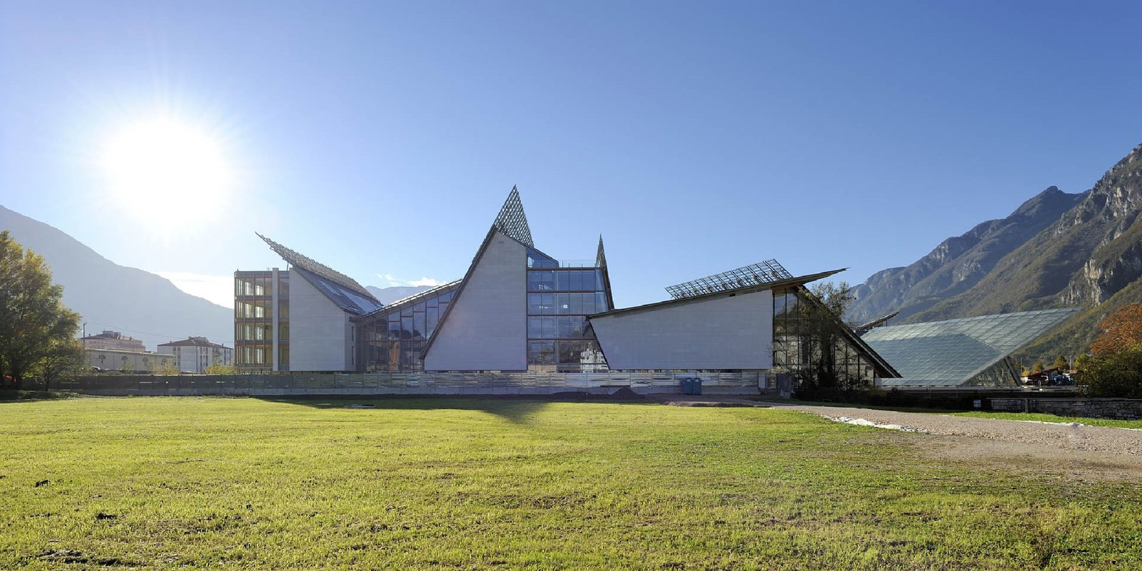 12 Renzo Piano Buildings We Love