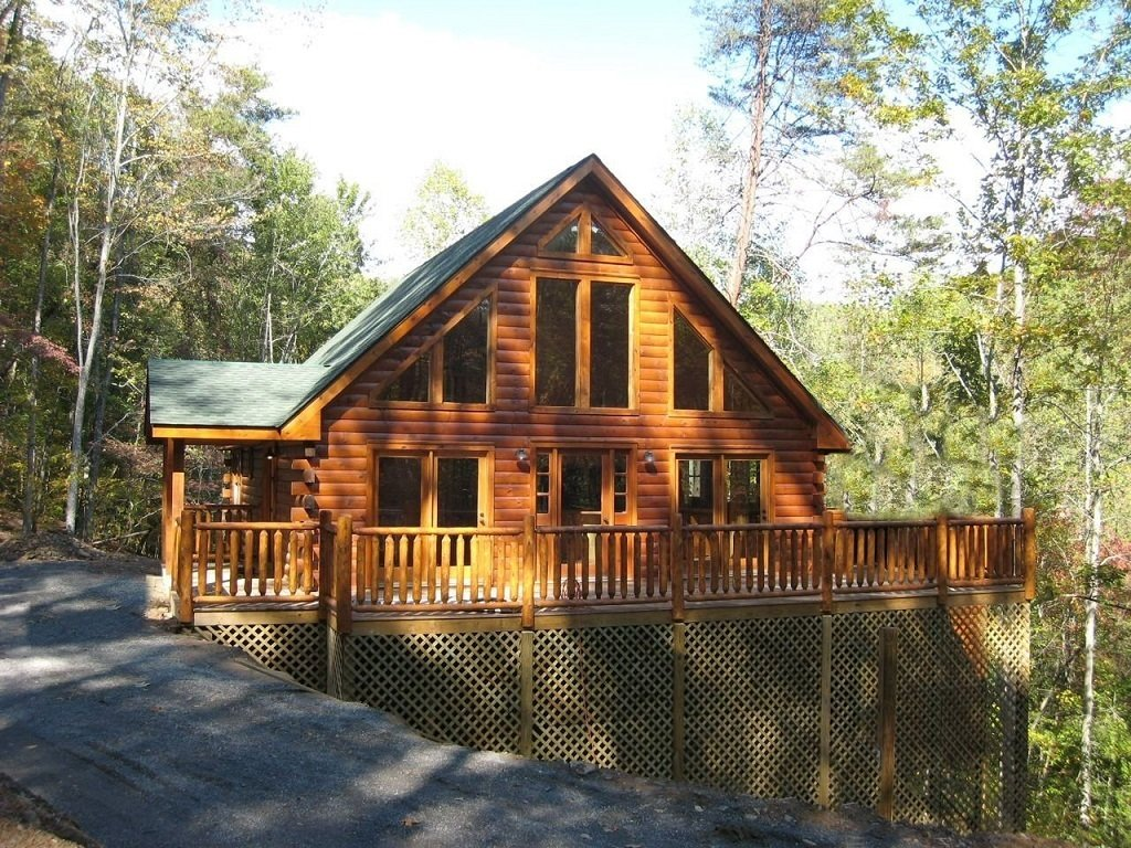 North Carolina-based Tar River Log Homes is a family-owned and operated company that believes that log homes should be affordable.  Photo 8 of 11 in 10 Prefab Log Home Companies