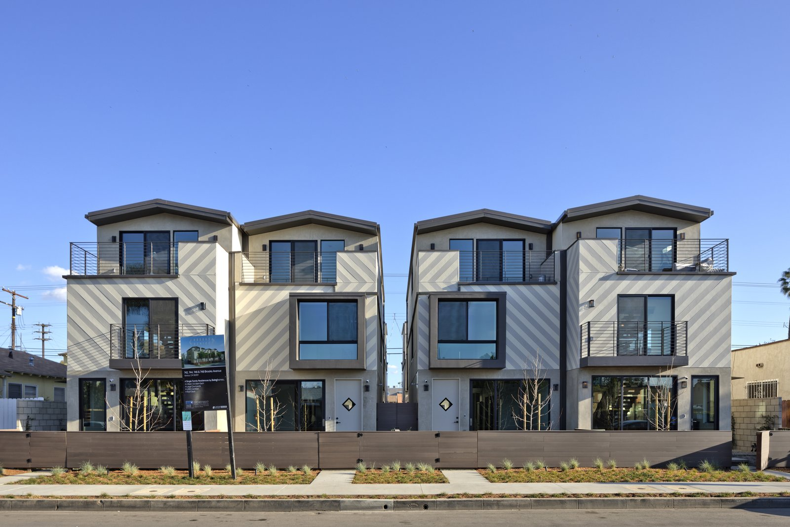 Newmodern Homes In Venice Striving For Leed Gold Certification On