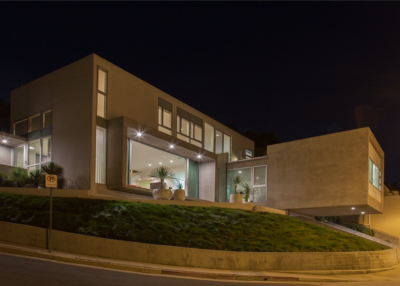 Exterior, House Building Type, and Concrete Siding Material  leeMundwiler architects, FAIA :: Cantilever House
