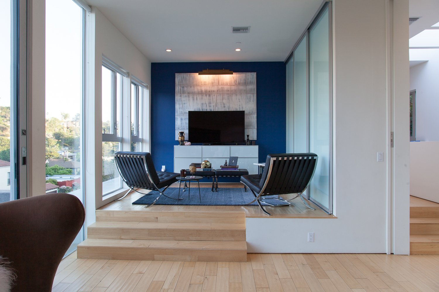 Bedroom and Chair  leeMundwiler architects, FAIA :: Cantilever House