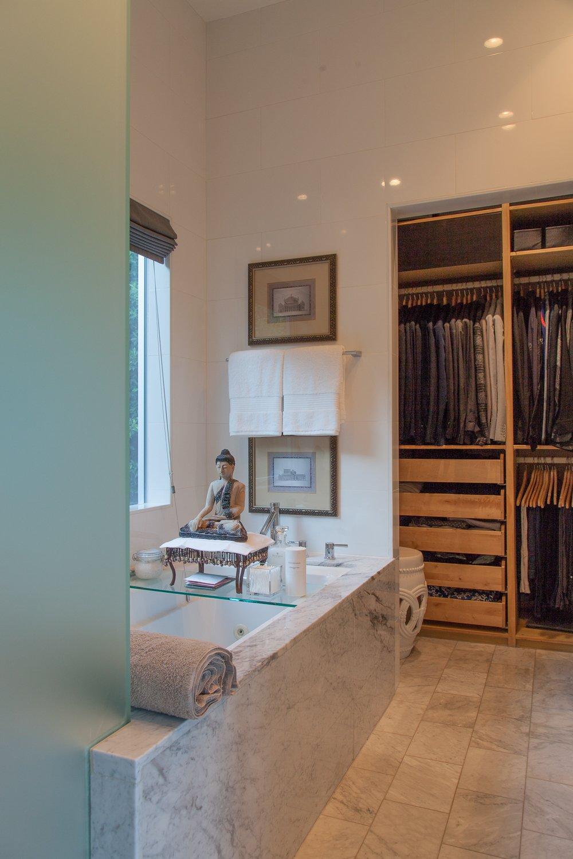 Bath Room  leeMundwiler architects, FAIA :: Cantilever House