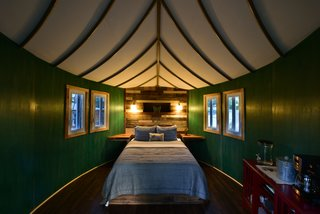 Experience Tree-Top Living at One of These Sustainable Tree Houses - Photo 4 of 15 - The Willow & Juniper tree house by ArtisTree
