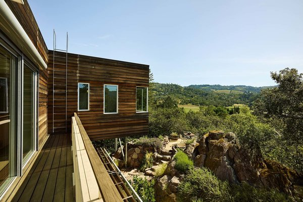 Discover a Nature-Immersed Retreat For Sale in the Heart of Wine Country