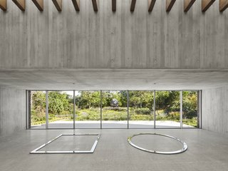 Another 2017 winner was the De Maria Pavilion in Bridgehampton, New York, by Gluckman Tang Architects. The concrete art pavilion is located along an art walk on a grand estate.