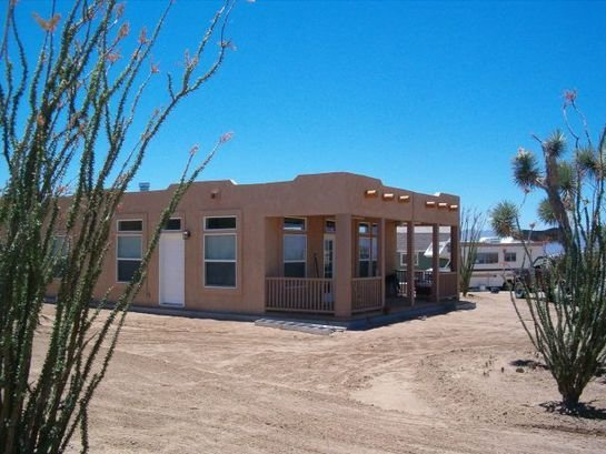 Based in Phoenix, Arizona, Durango Homes by Cavco have multiple lines of prefabricated homes, including their Santa Fe model, which combines modern design elements with a uniquely Southwest vernacular.