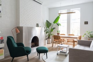 Vivid Accent Colors Turn This Tiny Abode Into a Dreamy Oasis