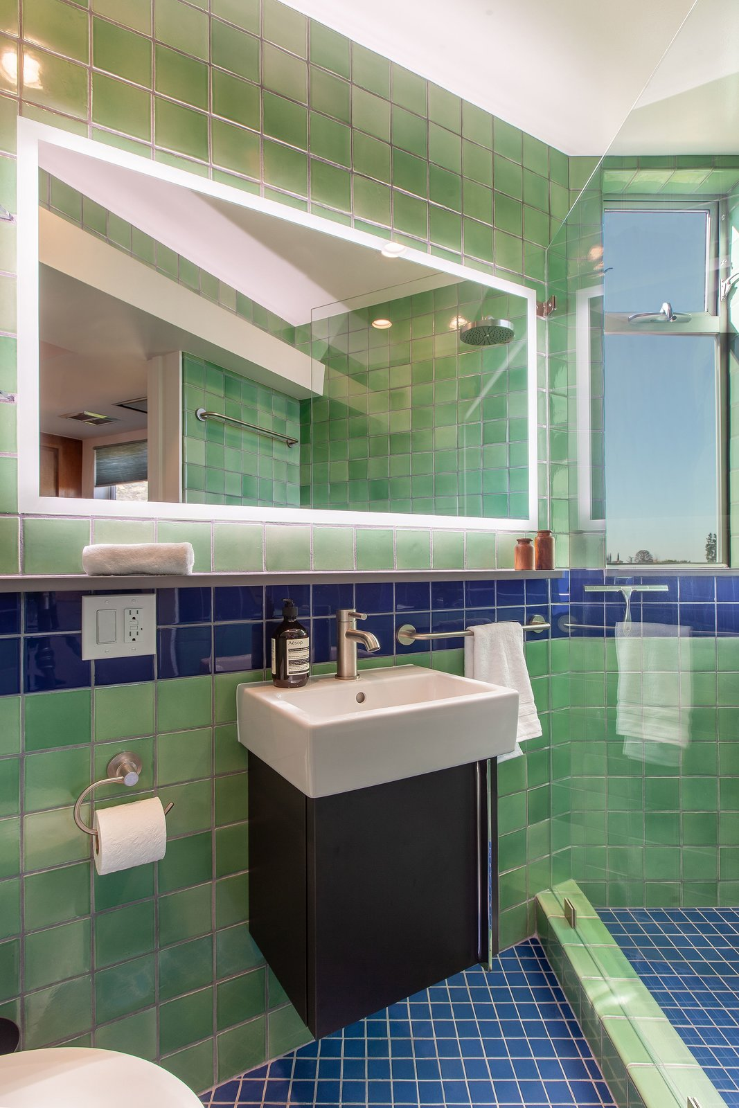 Budget Breakdown: A 1920s Guest House Bathroom Gets a Bold Revamp For $34,800