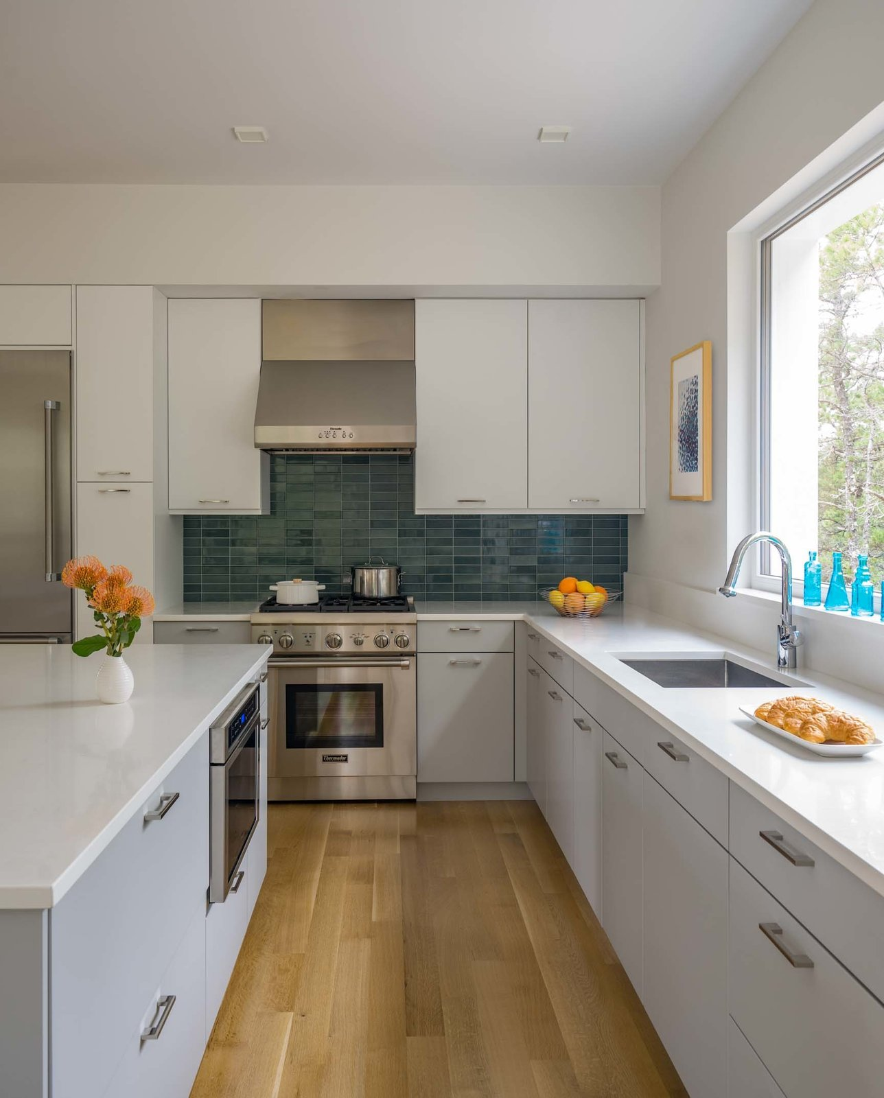 Kitchen, Range, Range Hood, Ceiling, Glass Tile, Undermount, and Wall Oven  Best Kitchen Ceiling Glass Tile Photos from Wellfleet Modern