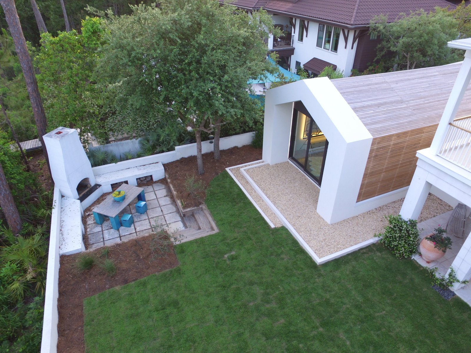 The Bunker Addition by McWhorter Vallee Design Inc.