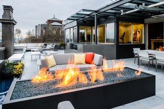 Duchess Mansion, patio space