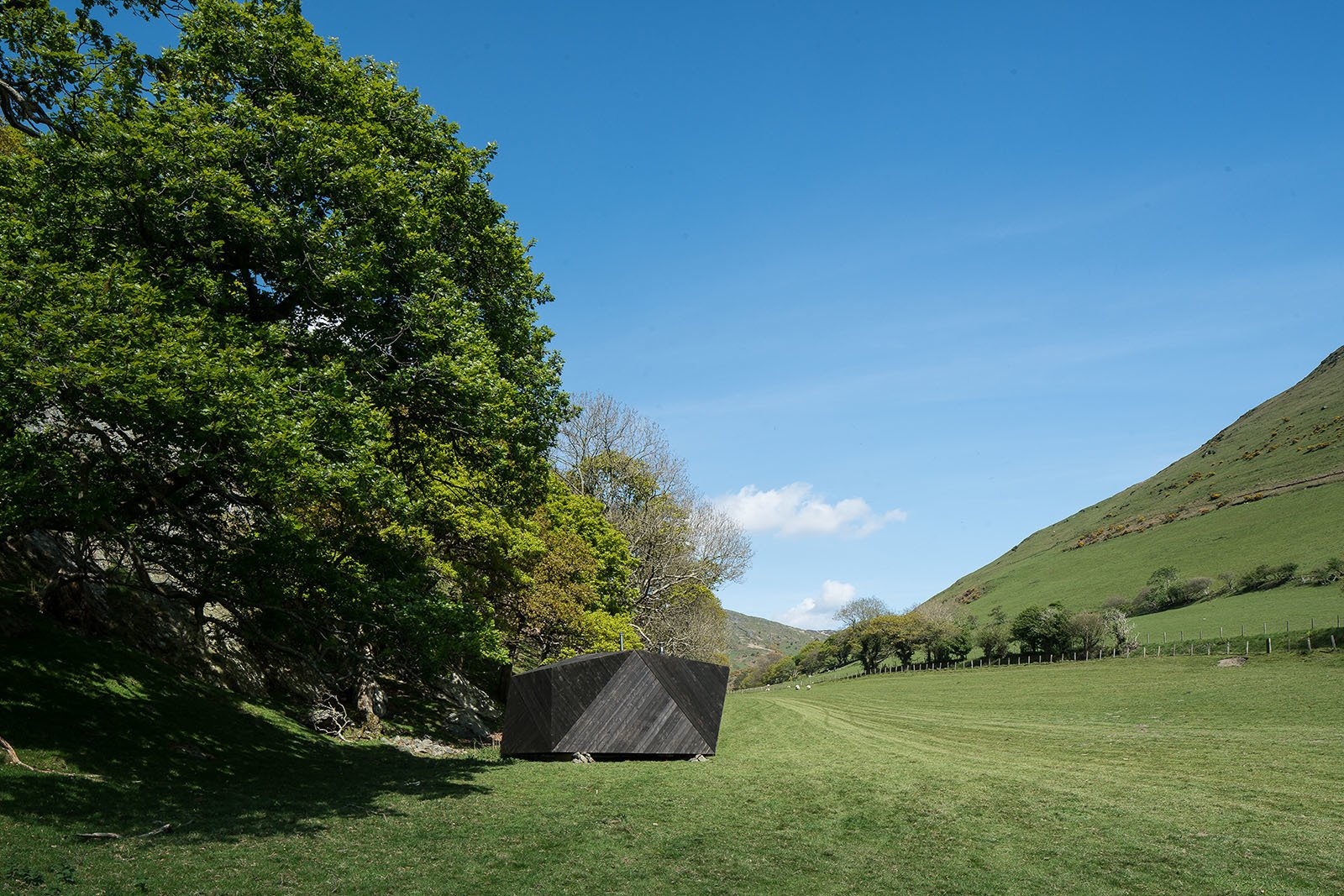 Photo 8 of 11 in Tour One of Epic Retreat's Tiny Pop-Up Hotel Cabins in the Welsh Countryside