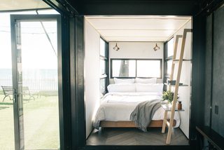 An Australian Firm Makes Portable Hotel Rooms Out of Shipping Containers - Photo 5 of 8 -