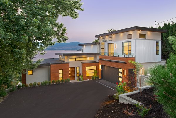 A Pro Hockey Player and His Family's Amazing Lakeside Home