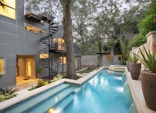 Take a Plunge Into These Enticing Modern Pools - Photo 10 of 12 -