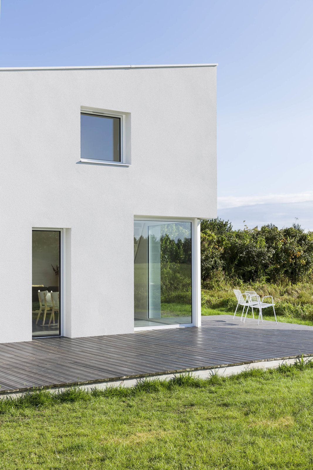 House for a Photographer by studio razavi architecture
