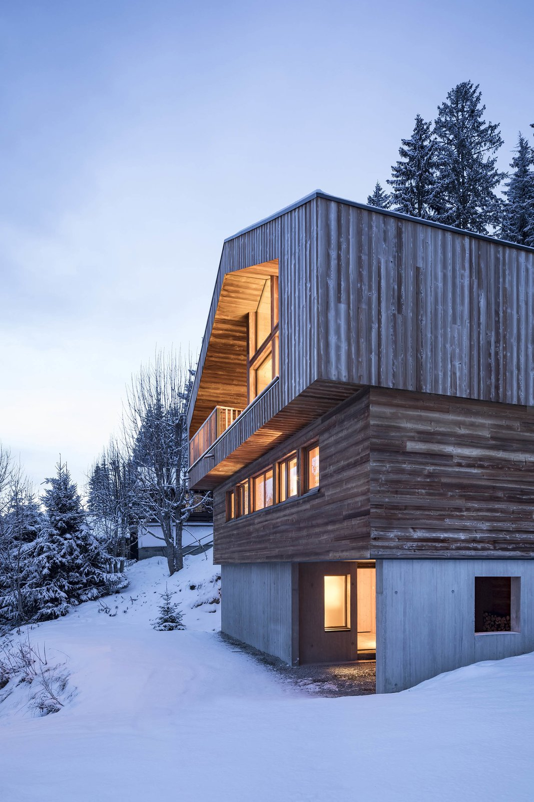 Outdoor, Slope, Woodland, and Trees  Mountain House