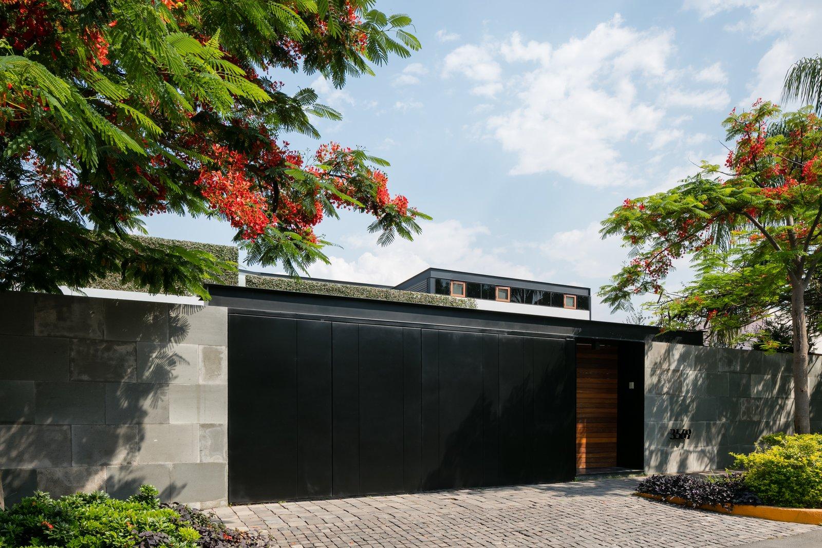 Exterior, Concrete, Wood, Shingles, Metal, Metal, and House  Exterior Concrete Metal Shingles Photos from Casa N069