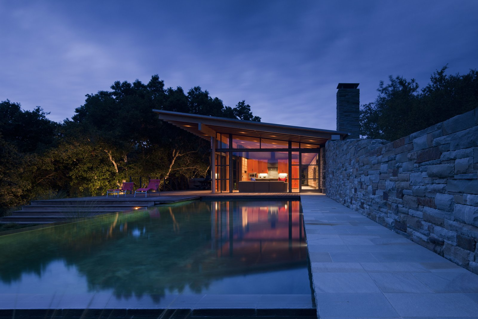 Outdoor, Large Patio, Porch, Deck, Wood Patio, Porch, Deck, Trees, Infinity Pools, Tubs, Shower, and Stone Fences, Wall  Halls Ridge Knoll by Bohlin Cywinski Jackson