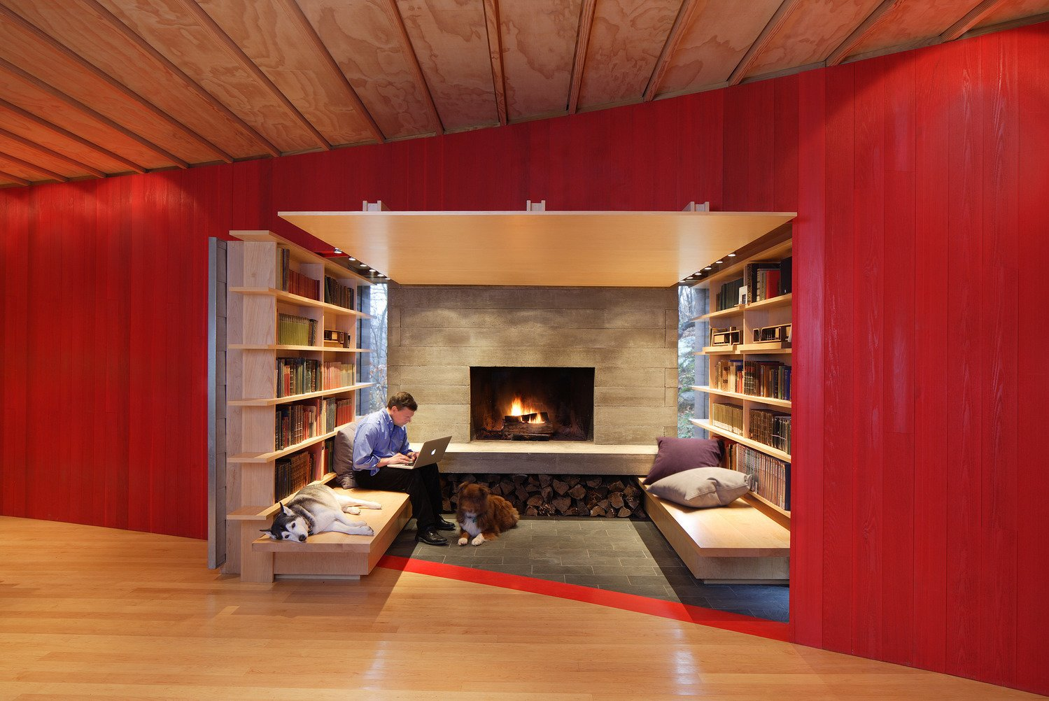 Living Room, Bench, Standard Layout Fireplace, Concrete Floor, and Light Hardwood Floor  Edge House by Bohlin Cywinski Jackson