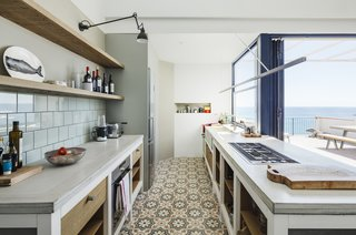 A Careful Renovation Brings New Life to a Family's Heritage Home on the Spanish Coast - Photo 7 of 15 -