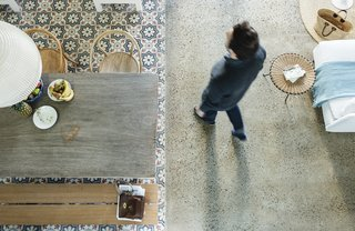 A Careful Renovation Brings New Life to a Family's Heritage Home on the Spanish Coast - Photo 8 of 15 -