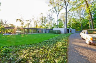 A Renovated, Midcentury Glass-and-Steel House in New York Asks $2M - Photo 9 of 9 -