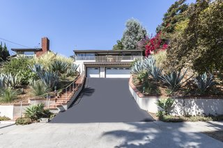 A Renovated Midcentury Home in L.A. With Timeless Details Asks $1.3M - Photo 14 of 14 -