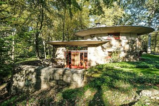A Usonian Masterpiece by Frank Lloyd Wright Is on the Market For $1.5M - Photo 7 of 9 -